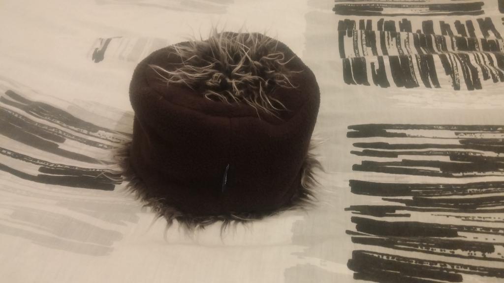 זה לא הכובע של הזונות.. אבל אחלה כובע, לא? :)
